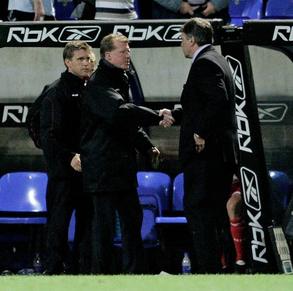 Middlesbrough Manager Steve Mcclaren And Bolton Counterpart Sam Allardyce Shake Hands At Full Time. Football: Barclays Premiership: Bolton V Middlesbrough (1-1